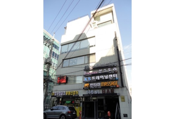 강남구 신사동 압구정로데오역세권 전층 근생 건물