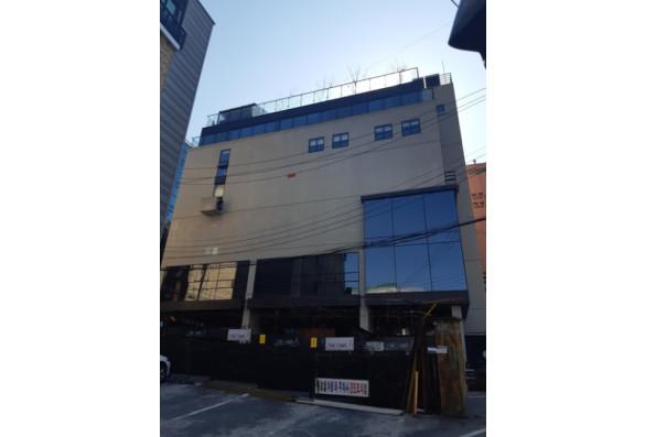 강남구청역 초역세권 신축급 사옥빌딩